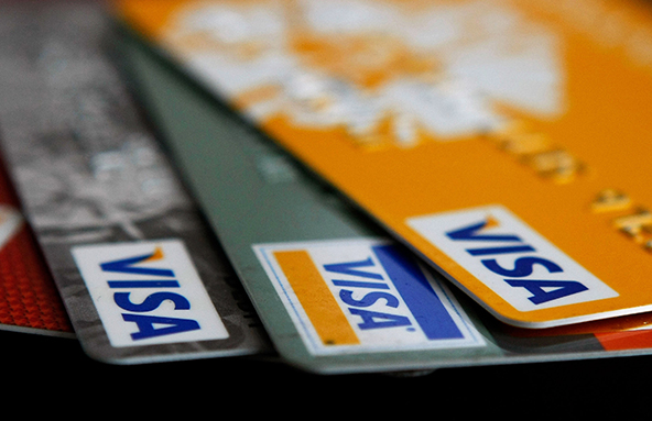 U.S. Credit Card Delinquencies Keep Falling, Charge-offs Up