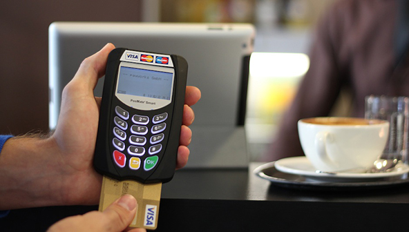How New Chip Cards Cure Americans' Headaches at European Checkouts