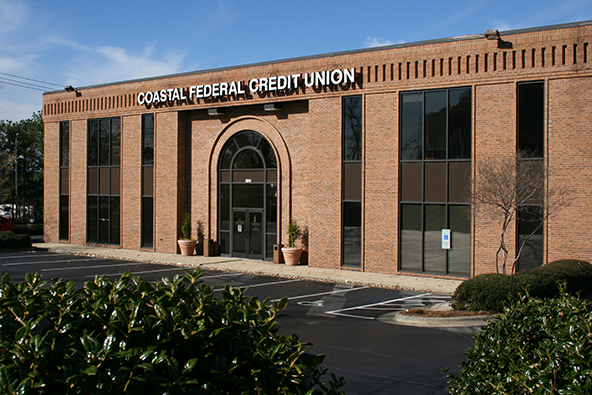 Why Credit Unions Don't Go Along with Credit Card Rewards
