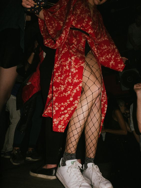 Karli Kloss fishnet stockings | Girlfriend is Better
