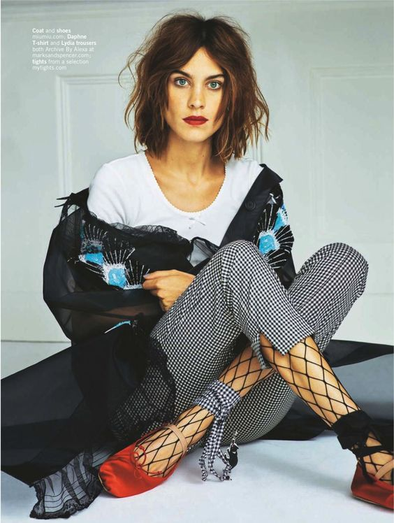 Alexa Chung rocking fishnets under slacks | Girlfriend is Better