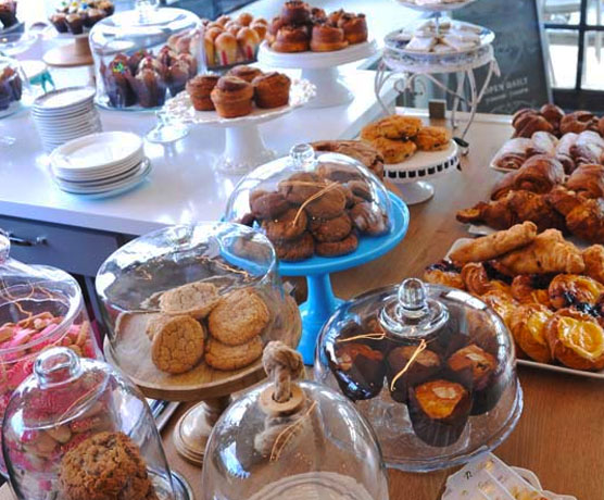 Coffee + pastries at Sugar and Scribe La Jolla | travel guide | Girlfriend is Better