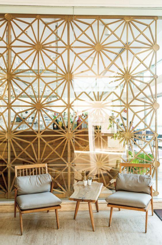 Mid-century modern room dividers + partitions | Istanbul's Müzedechanga restaurant | Girlfriend is Better