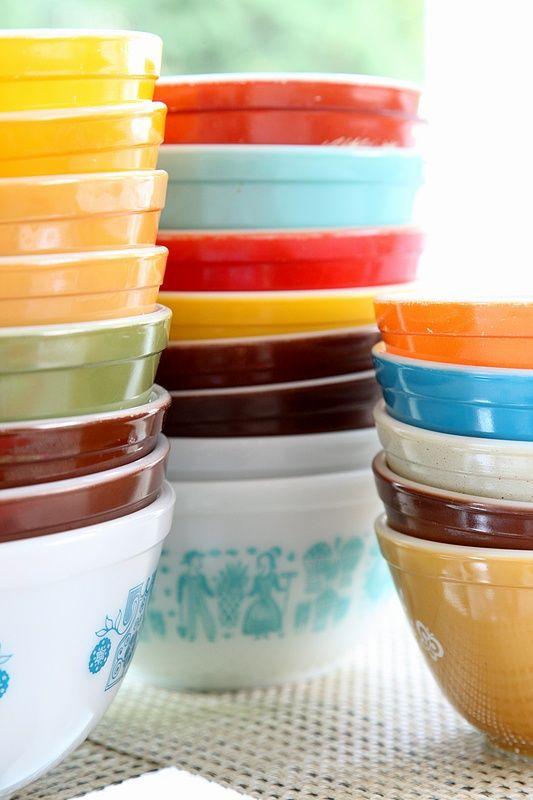 Vintage Pyrex bowls | Girlfriend is Better