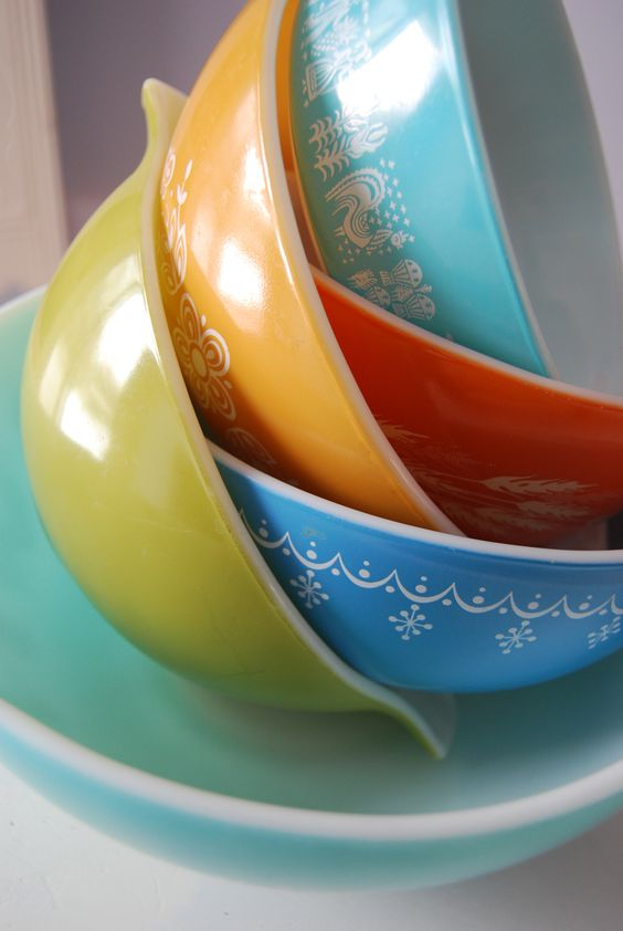 Vintage Pyrex bowls are perfect for baking | Girlfriend is Better