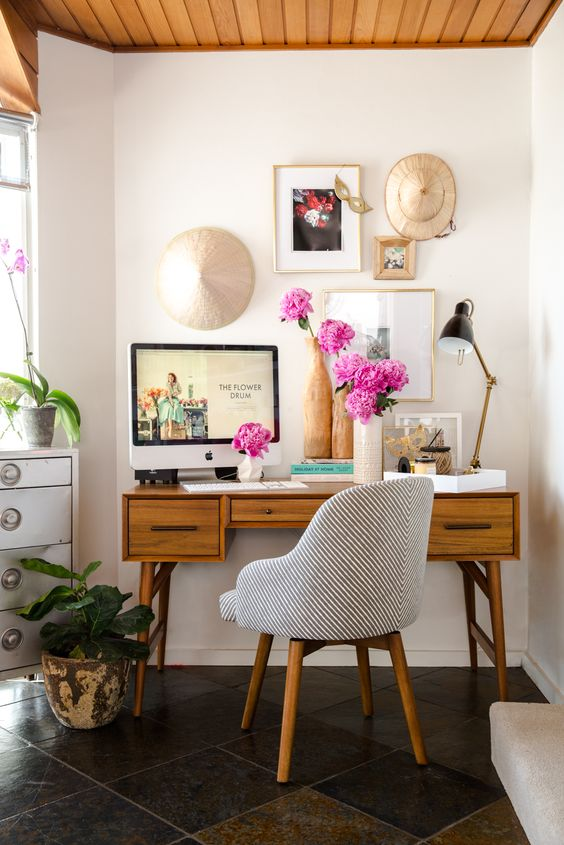 A gallery wall should inspire and motivate you at your desk | Girlfriend is Better
