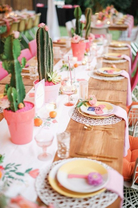 Table settings perfect for spring | Girlfriend is Better