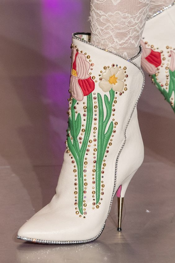 Gucci white boots Milan Fall 2017 | Girlfriend is Better