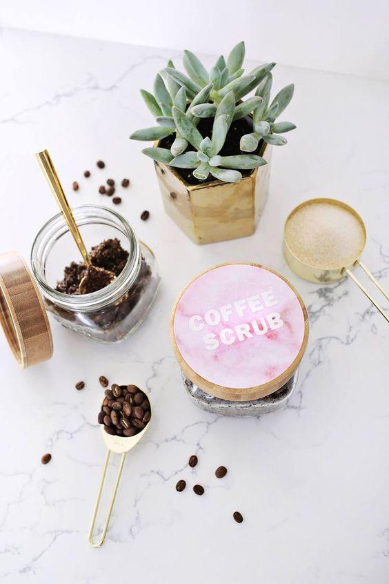 Caffeine benefits your skin | Girlfriend is Better