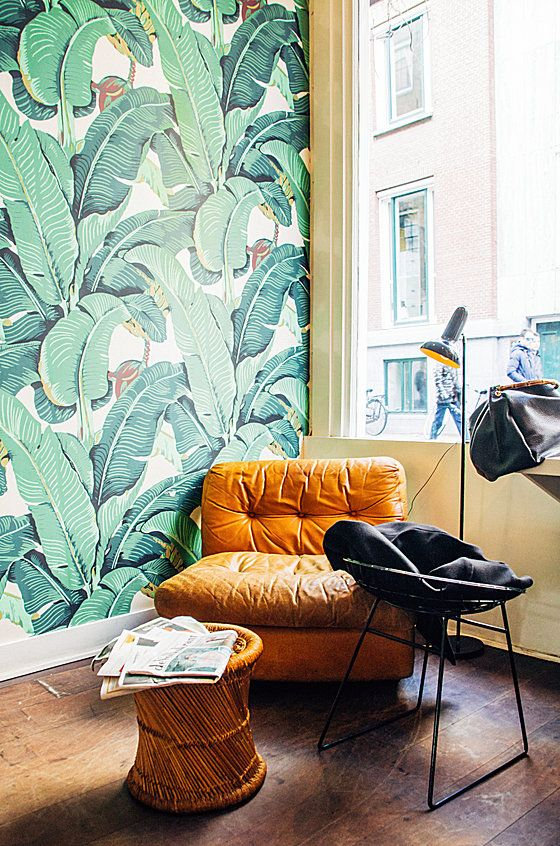 Banana leaf wallpaper lifts natural decor into the tropical realm | Girlfriend is Better