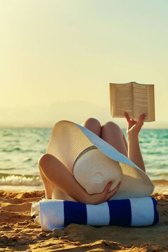 Classic novels perfect for reading at the beach   Girlfriend is Better