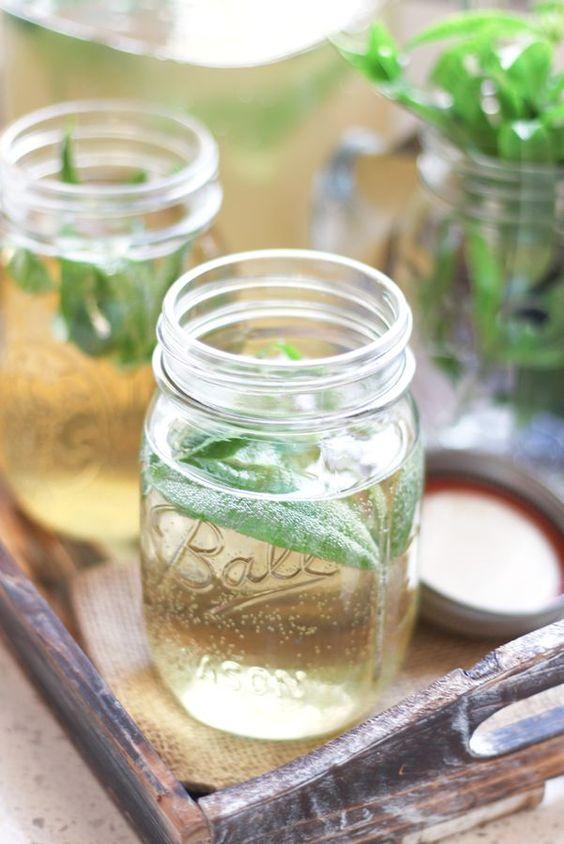 Kombucha tea health benefits | Low-glycemic | Girlfriend is Better