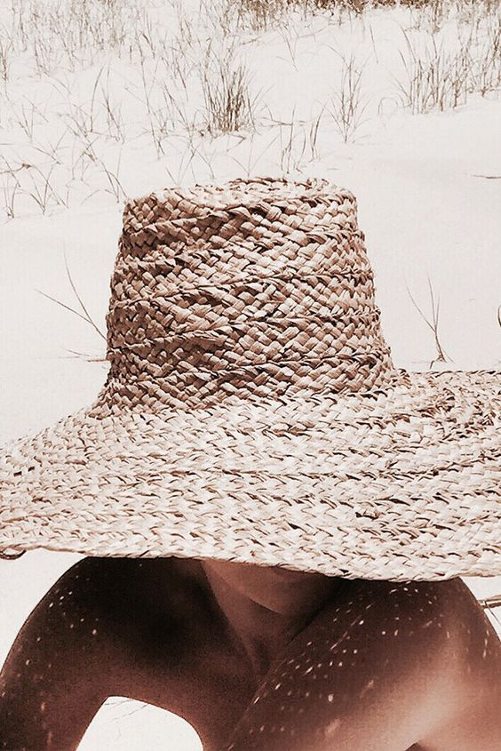 Wide brim straw hats for summer | Girlfriend is Better