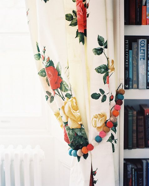 Floral curtains with pom pom tiebacks | Girlfriend is Beter