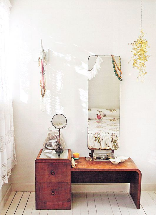 Mid-century modern dressing tables | Girlfriend is Better