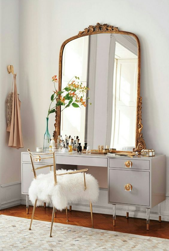 Glamorous mid-century modern dressing tables | Girlfriend is Better