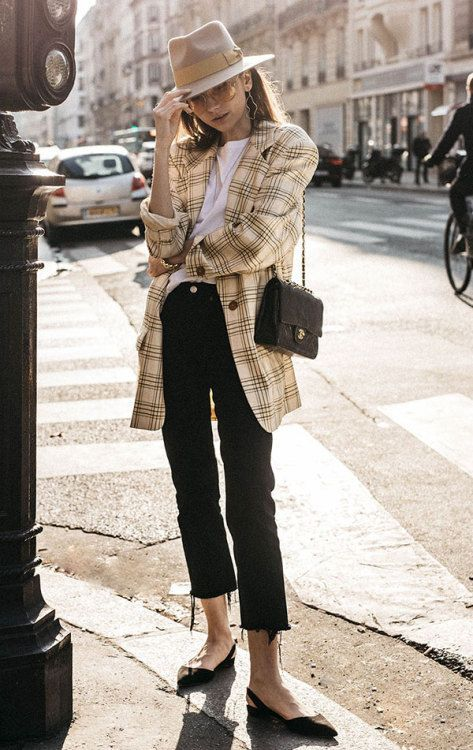 Long plaid blazer 80s style with felt fedora and pointed flats | Girlfriend is Better
