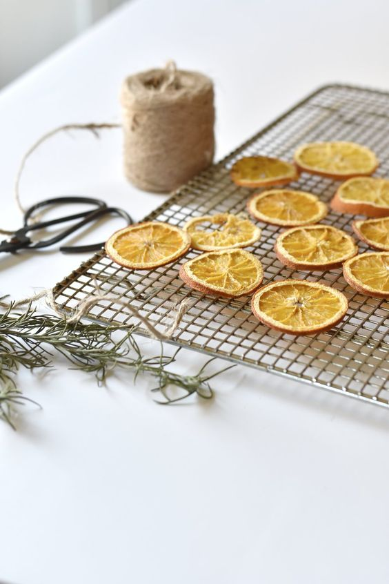 Dried orange garland star pattern | Celestial decor | Girlfriend is Better