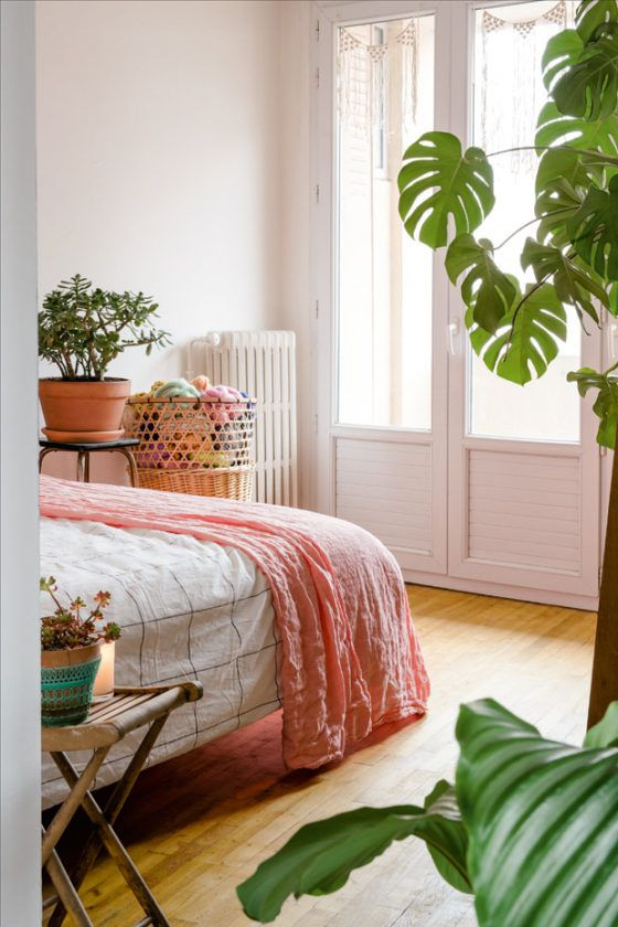 Bedroom Feng Shui | Rounded corners and plants | Girlfriend is Better