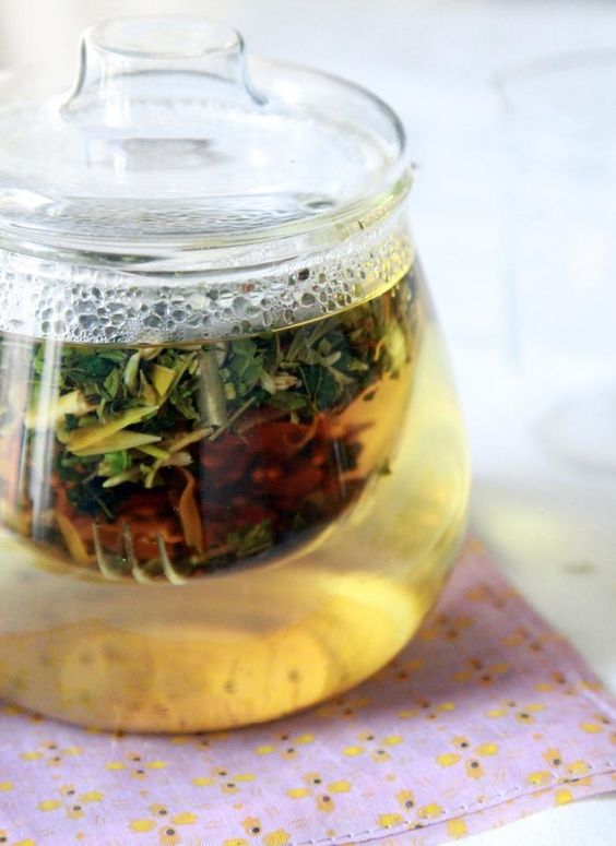 Gentle Nettle Tea for Spring | health benefits | Girlfriend is Better