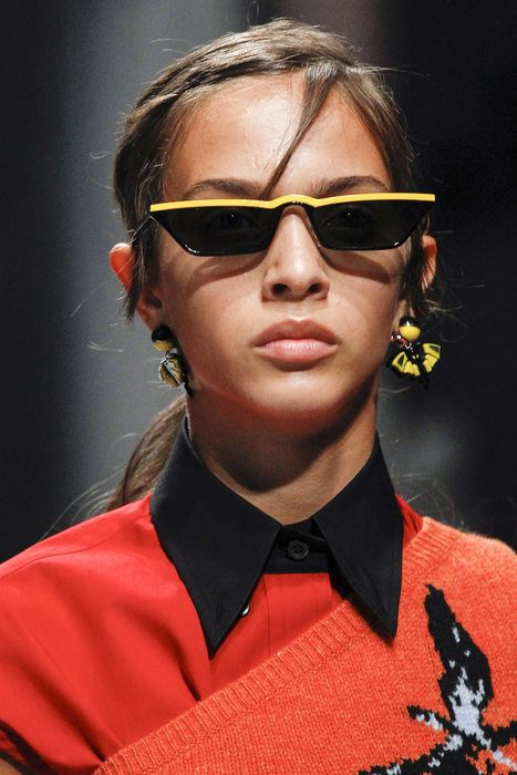 Prada tiny sunglasses | Sporty rectangular frames | Girlfriend is Better