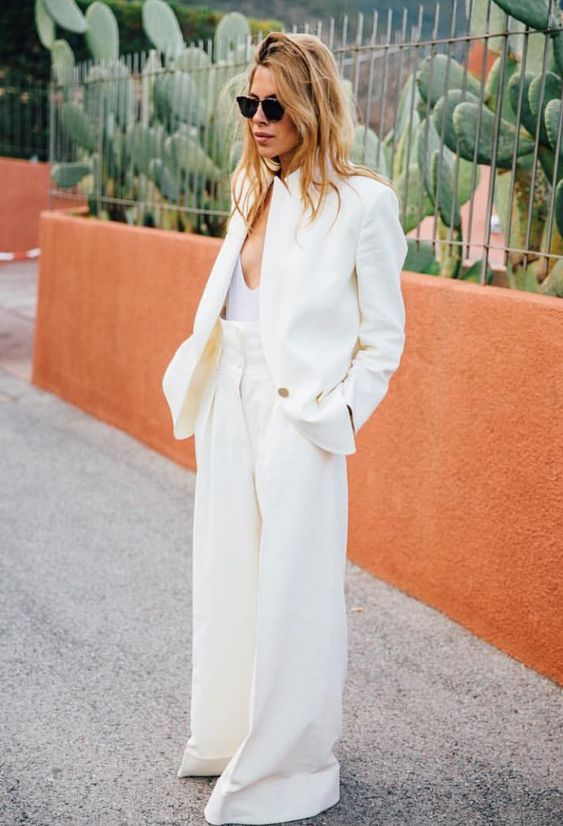 Monochromatic minimal work wear | High waist slacks and blazer | Girlfriend is Better