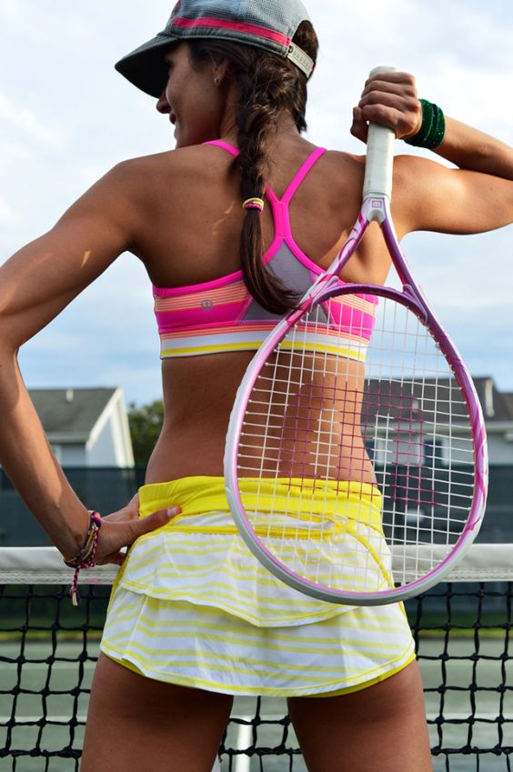 Sports bras for tennis court | Girlfriend is Better