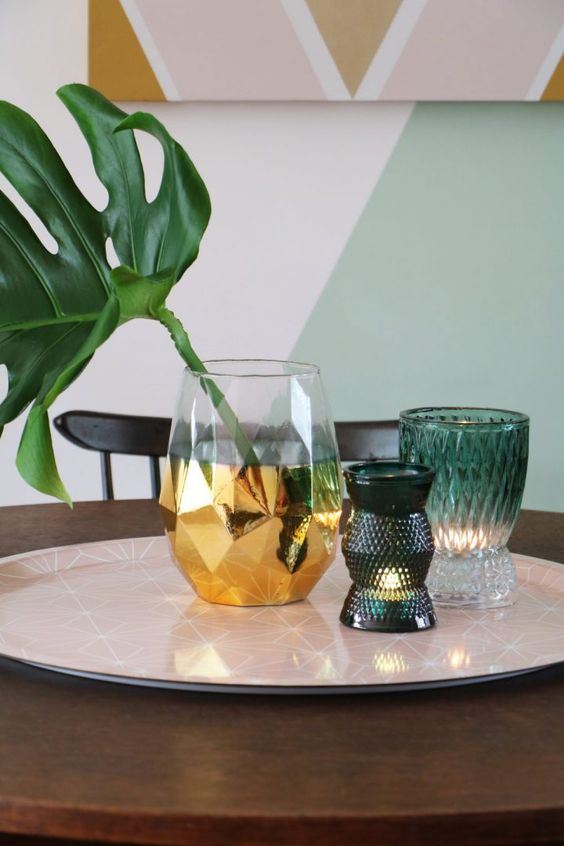 Monstera Deliciosa tropical plant leaf table centerpiece | Girlfriend is Better