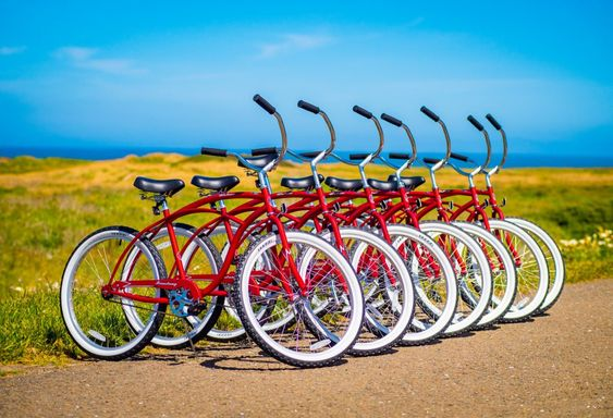 Fort Bragg California weekend coast trip | Beachcomber Motel bike rentals beach cruisers | Girlfriend is Better