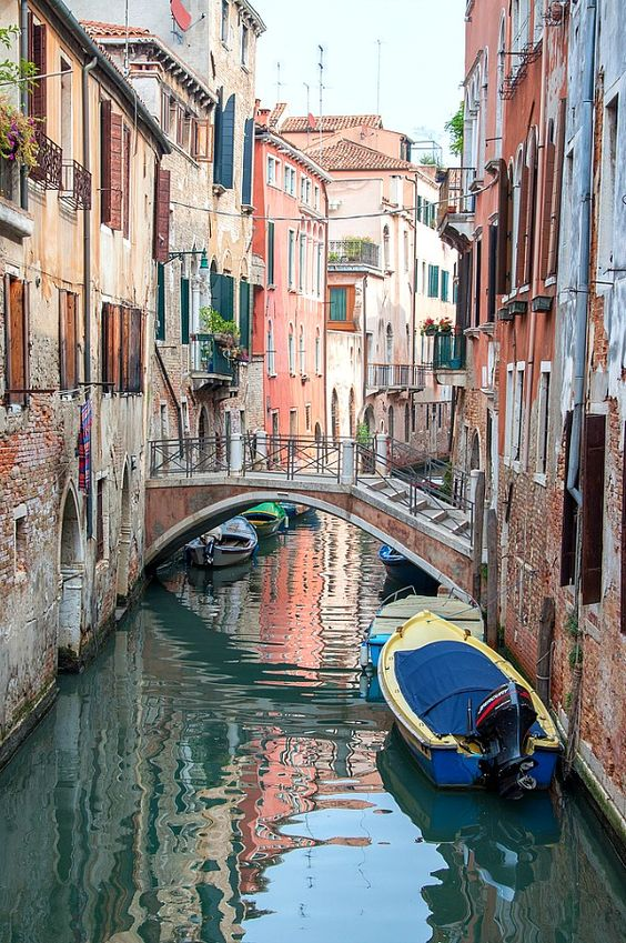 Foreign Language   Venice canals   Girlfriend is Better