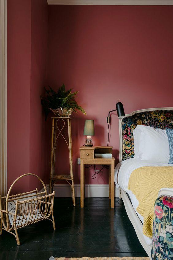 Pink Walls | Dark pink bedroom | Girlfriend is Better
