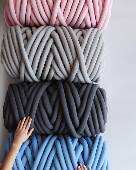 DIY knit blanket | chunky vegan yarn pastels | Girlfriend is Better