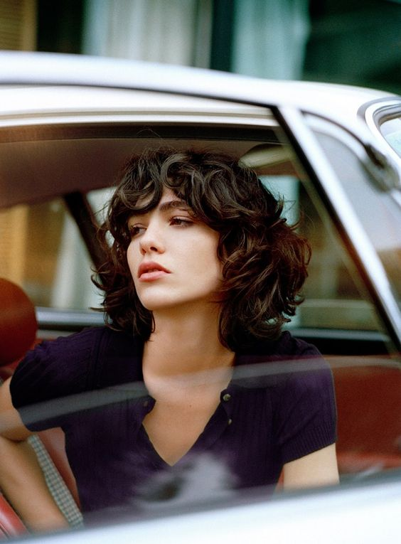 curly bob hairstyles   French girl cool   Girlfriend is Better