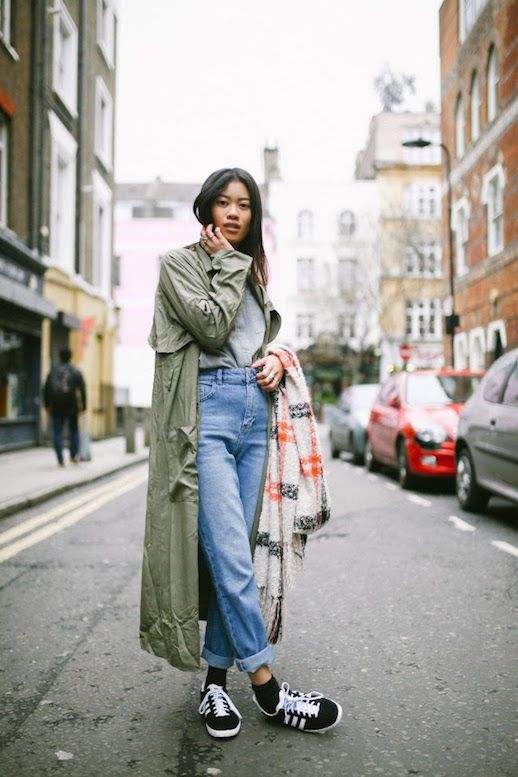tomboy fashion | army green trench coat barrel jeans | Girlfriend is Better