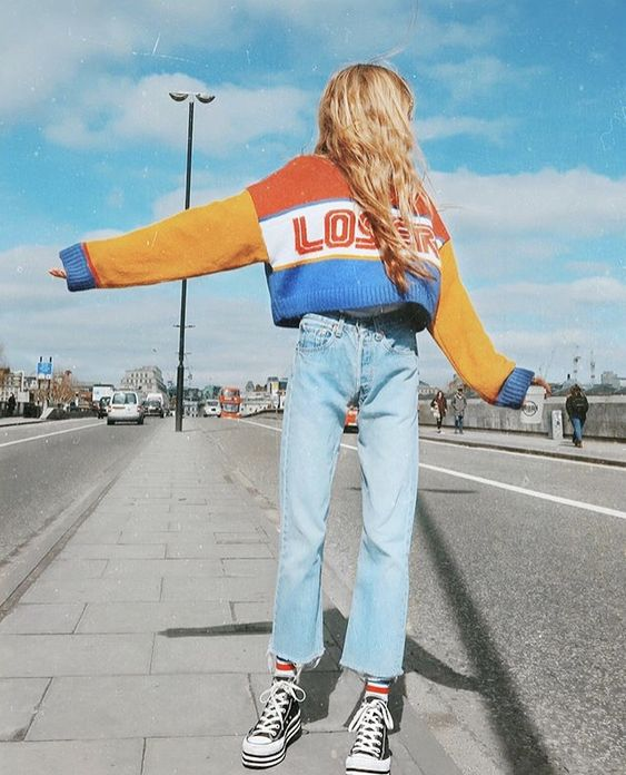 tomboy fashion | color block cropped sweater high-water jeans Converse | Girlfriend is Better