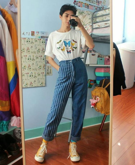 tomboy fashion | 80s butterfly tee shirt striped high-water barrel jeans Converse | Girlfriend is Better