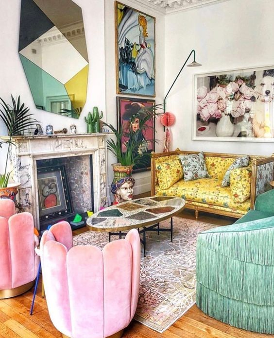 color blocking decor   chinoiserie living room French   Girlfriend is Better