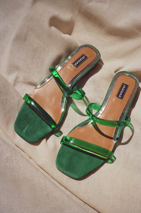 summer sandals | emerald green with tan sheets | Girlfriend is Better