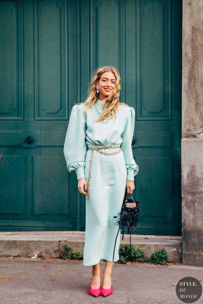 80s street chic | full-length dress puff shoulders sea foam green gold chain belt hot pink pumps | Girlfriend is Better
