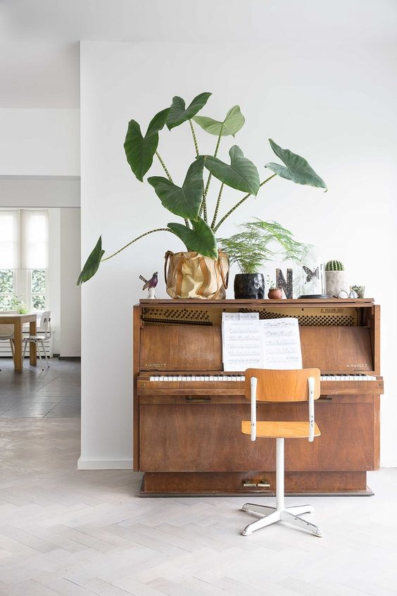 pianos | vintage nook mid-century modern plants | Girlfriend is Better