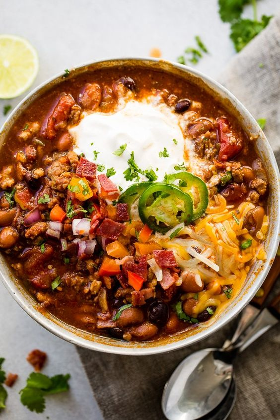 chili recipes | healthy ground turkey Instant Pot black pinto beans tomatoes bell peppers paprika | Girlfriend is Better
