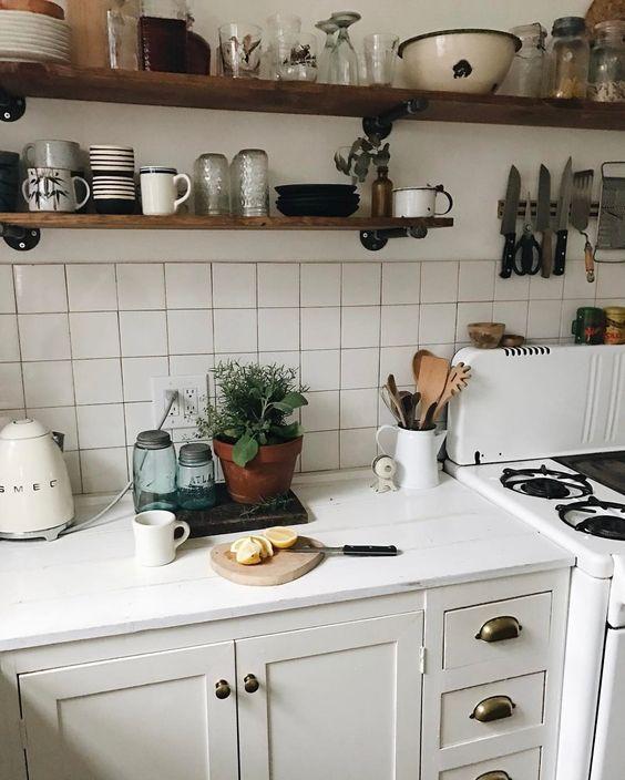 hygge hostess | open shelving Smeg tea kettle easy entertaining | Girlfriend is Better