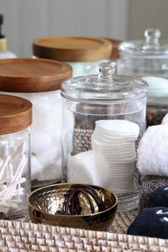 hygge hostess | guest bathroom washcloths toiletries overnight | Girlfriend is Better