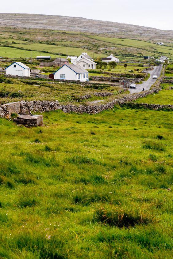 Ireland travel guide | road trip scenery Gallway | Girlfriend is Better