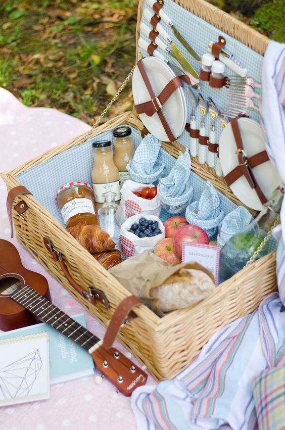 Spring picnic | basket ukulele fruit lunch bread blankets | Girlfriend is Better