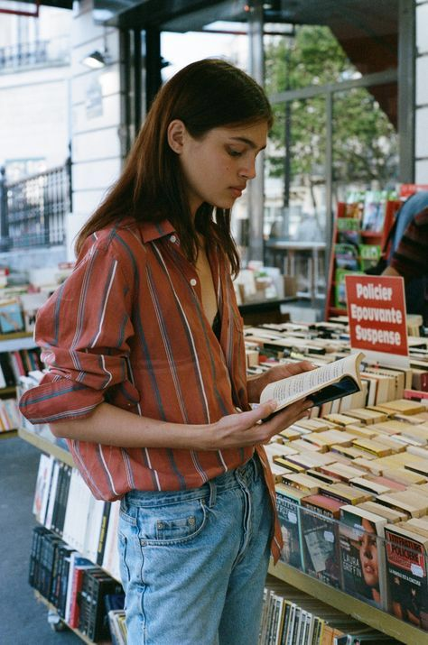 20th century poets   book reviews Jack Kerouac   Girlfriend is Better