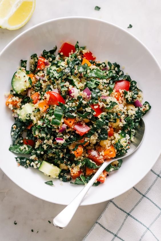 April seasonal vegetables | kale quinoa salad high protein anti-aging low-carb recipe | Girlfriend is Better