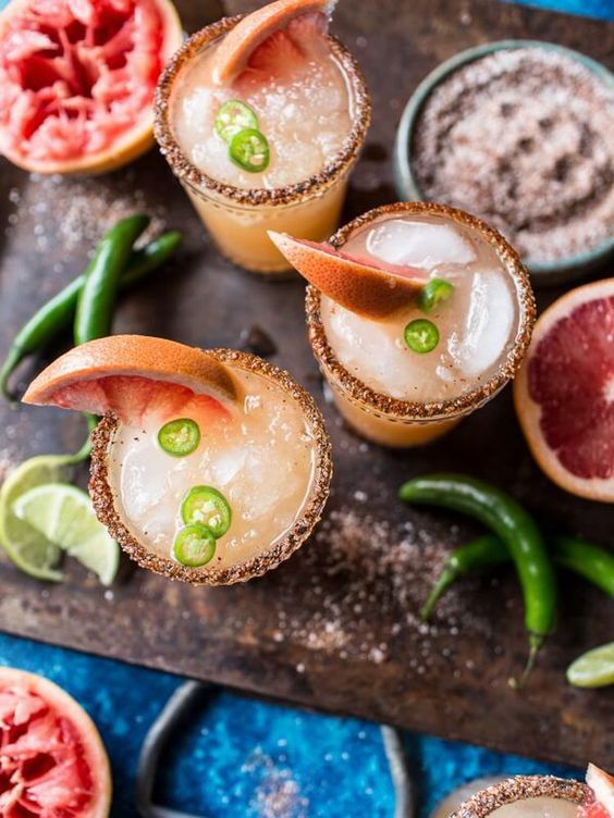 Cinco de Mayo party ideas | spicy grapefruit margaritas | Girlfriend is Better