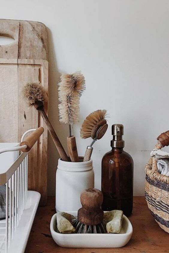 sustainable kitchen products | spring cleaning dish scrubbers wood element eco-friendly | Girlfriend is Better