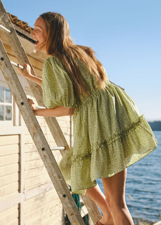 voluminous dresses | 90s baby doll puff shoulders ruffles vacation | Girlfriend is Better